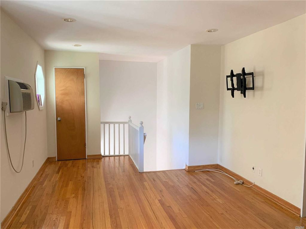 67-29 223rd Place #2nd Fl, Oakland Gardens, NY 11364 - MLS#: 3168946