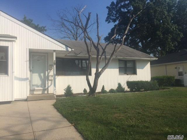 422 Waukena Avenue #house, Oceanside, NY 11572 - MLS#: 3217946