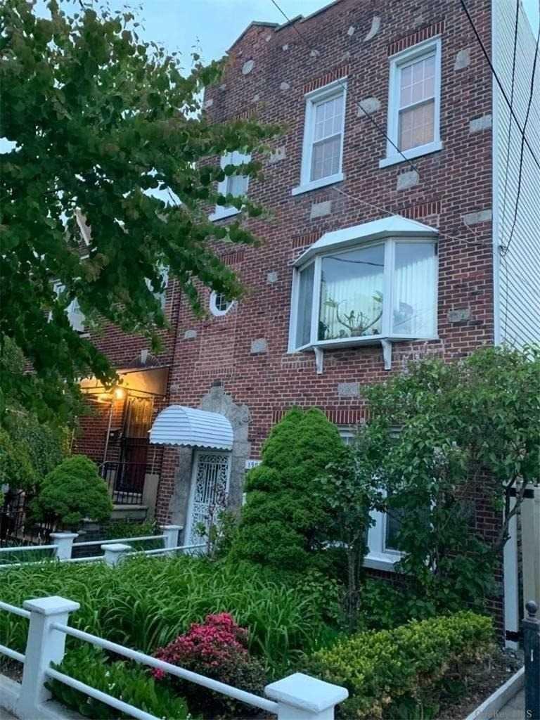 1908 Mulford Avenue #2Fl, Bronx, NY 10461 - MLS#: 3287946
