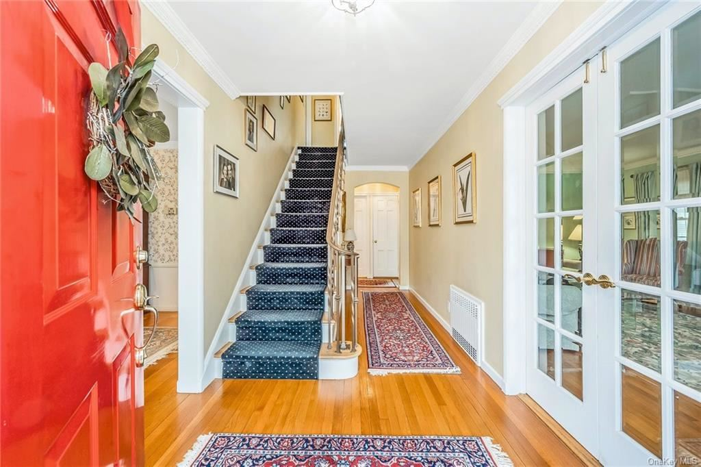 Photo of 10 Brassie Road, Eastchester, NY 10709 (MLS # H6098946)