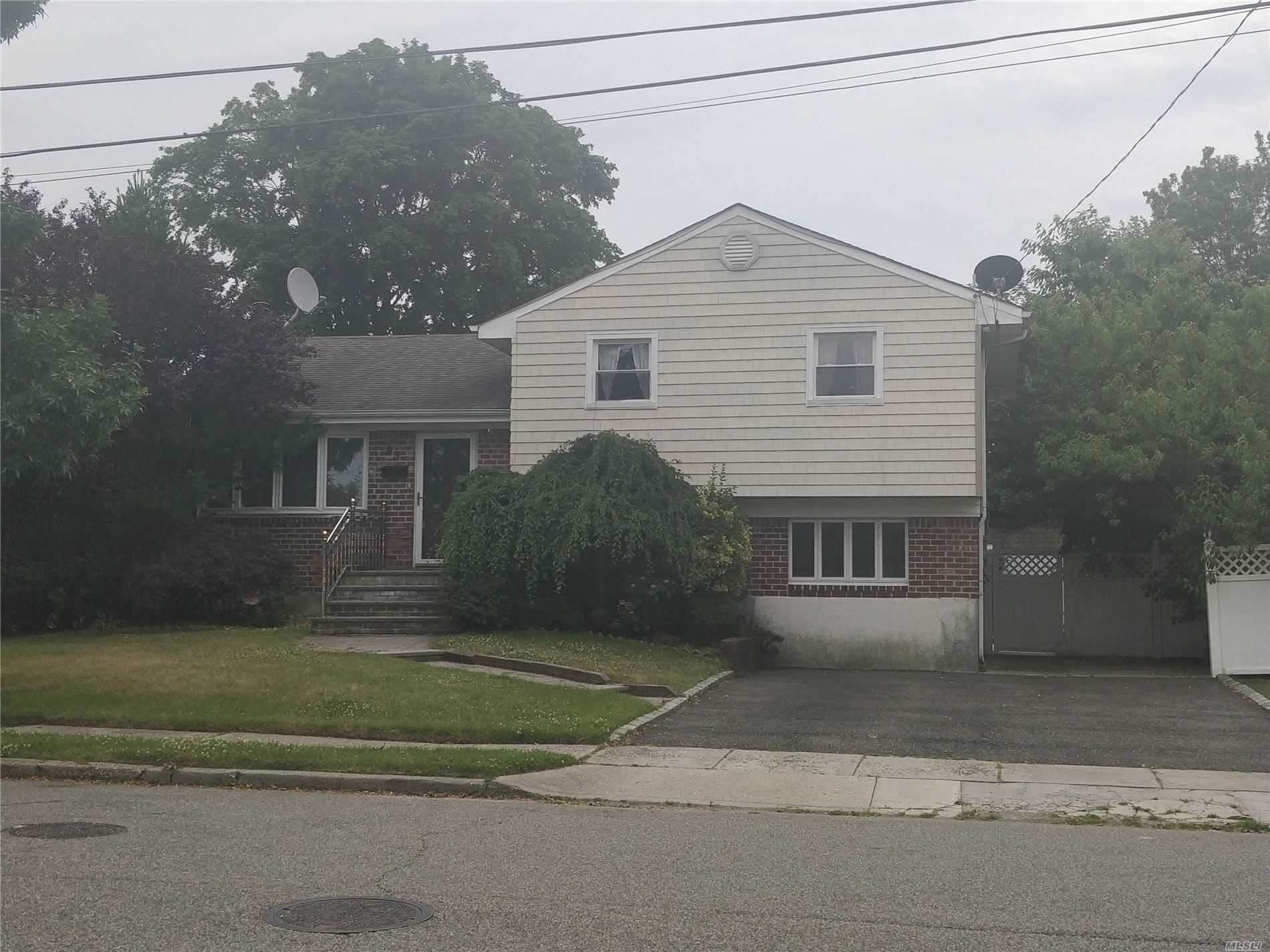 53 Kingston Avenue, Hicksville, NY 11801 - MLS#: 3226947