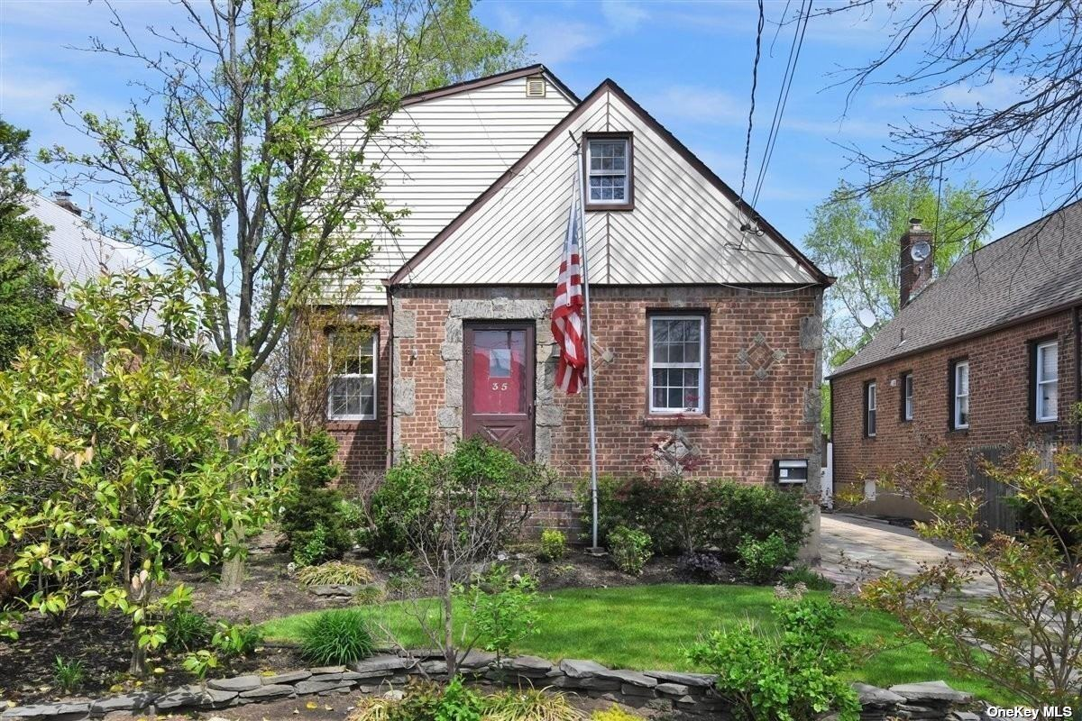 35 Greenwood Place, Valley Stream, NY 11581 - MLS#: 3311949