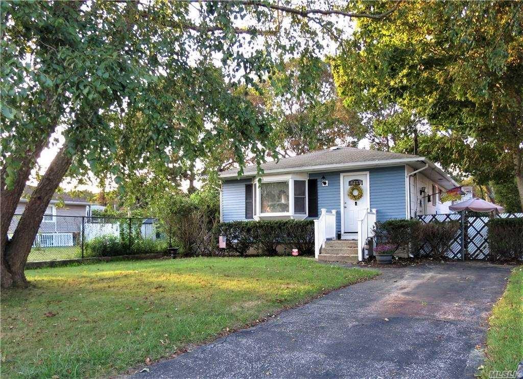 17 Hurstwood Road, Shirley, NY 11967 - MLS#: 3254950