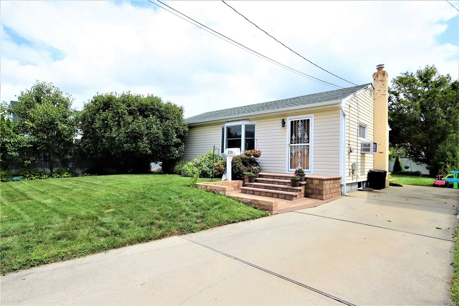 216 N 2nd St, Bethpage, NY 11714 - MLS#: 3240952