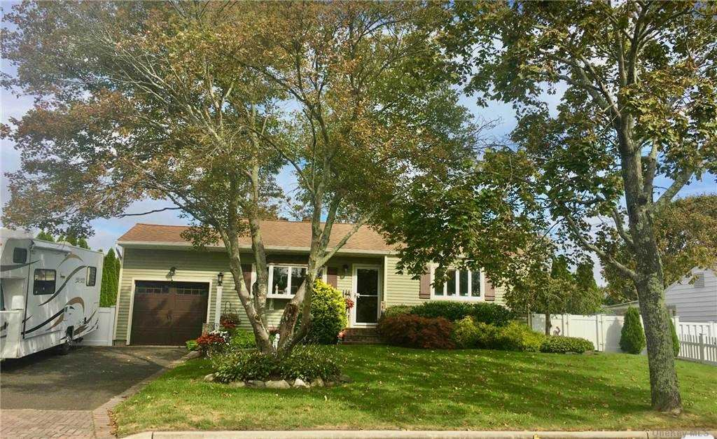 110 Circle Drive S, East Patchogue, NY 11772 - MLS#: 3292953