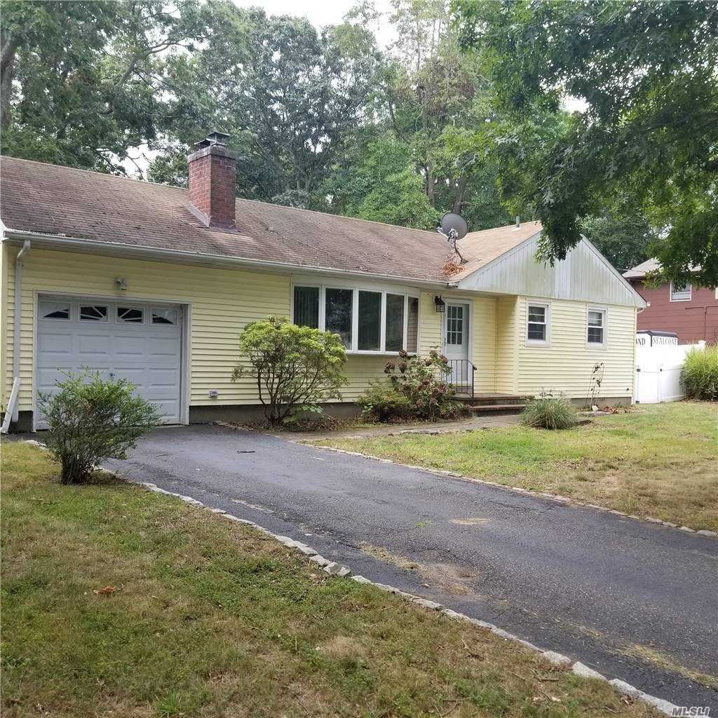 18 Oakwood, Miller Place, NY 11764 - MLS#: 3253955
