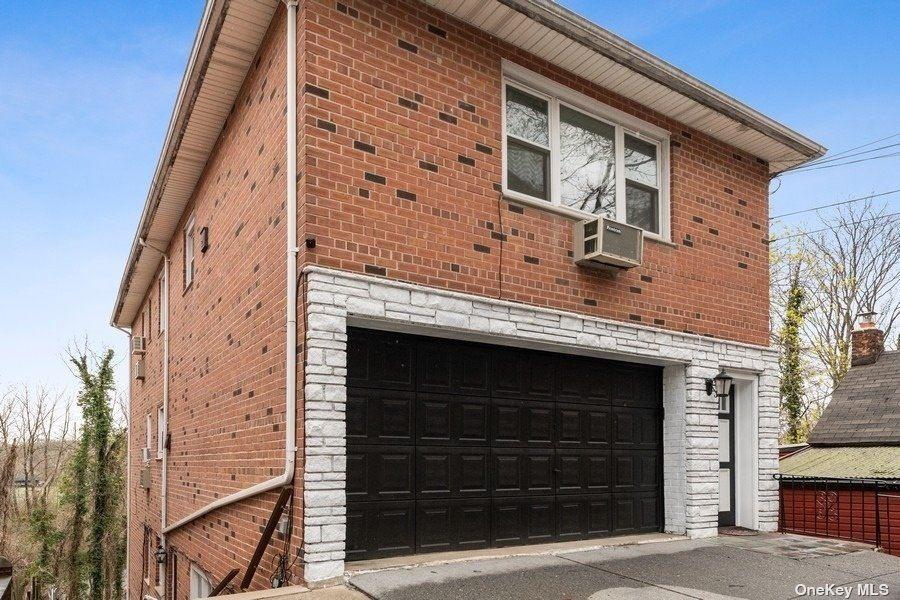 42-54 235th, Douglaston, NY 11363 - MLS#: 3302957