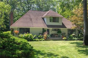 Photo of 5 Skyes Neck Ct, E. Quogue, NY 11942 (MLS # 3150960)