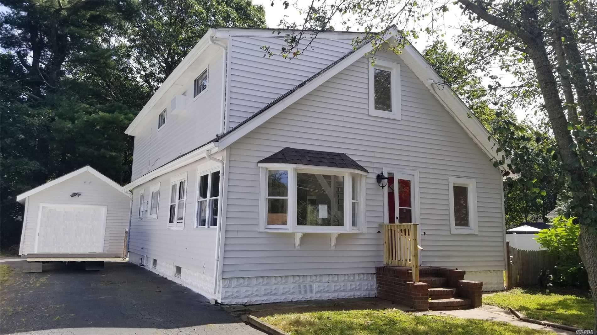 11 Locust Street, Lake Grove, NY 11755 - MLS#: 3206961