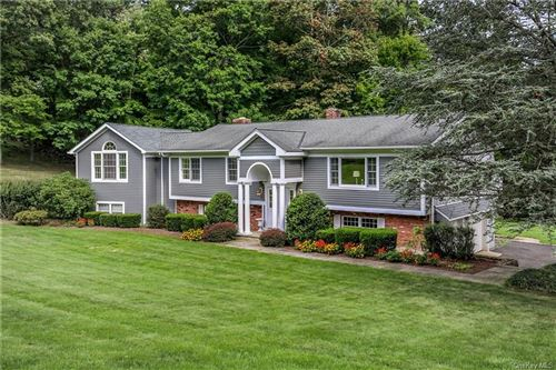 Photo of 25 Valley Road, Thornwood, NY 10594 (MLS # H6065964)
