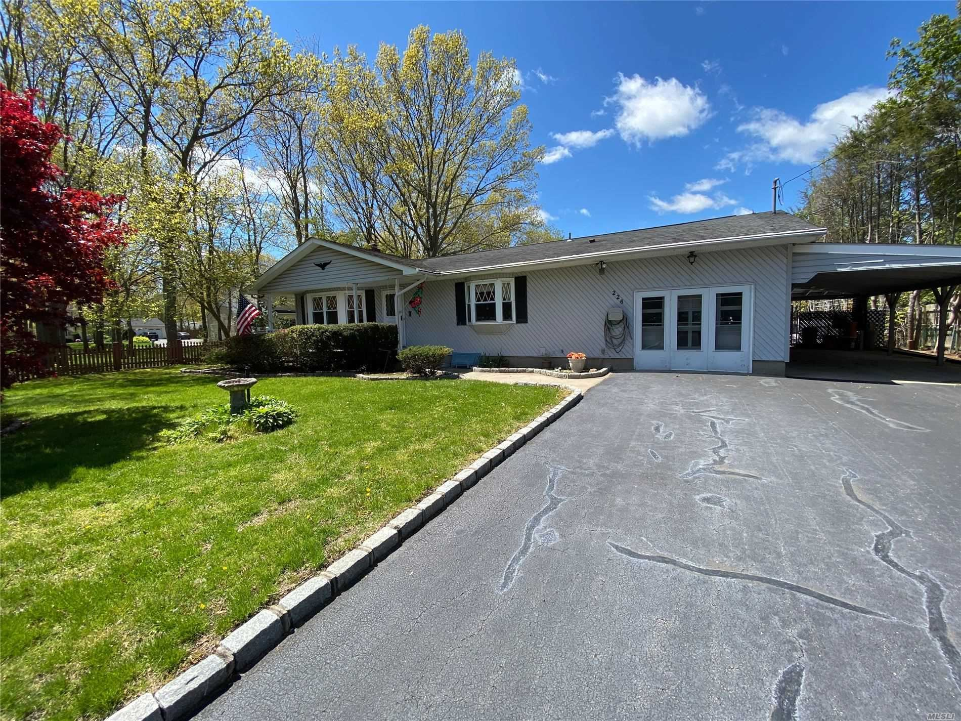 226 Maple St, Medford, NY 11763 - MLS#: 3214965