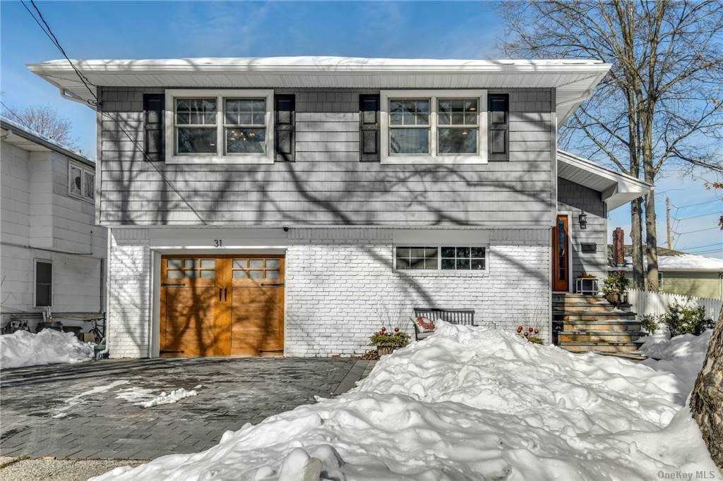 31 Gaines Street, Huntington, NY 11743 - MLS#: 3287967