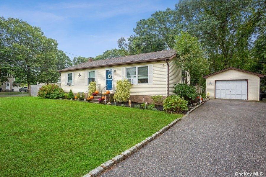 22 Tudor Road, Shirley, NY 11967 - MLS#: 3350967