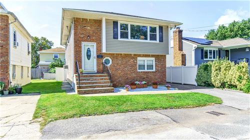 Photo of 12 August Avenue, Bayville, NY 11709 (MLS # 3345969)