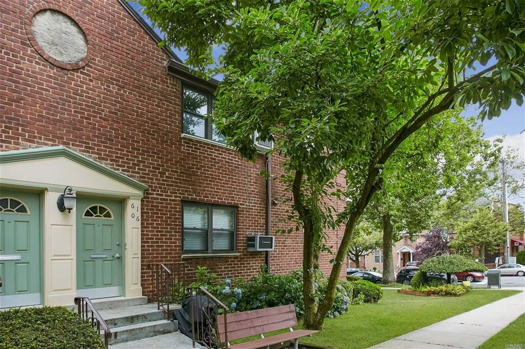 61-06 245th Place #Upper, Douglaston, NY 11362 - MLS#: 3149970