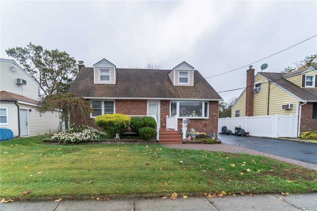 256 N Walnut St, Massapequa, NY 11758 - MLS#: 3264971