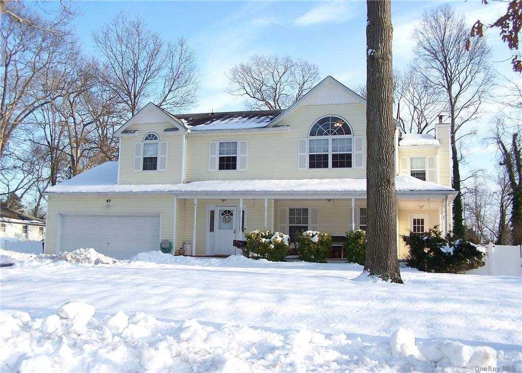 42 E. Lake Terrace, Ronkonkoma, NY 11779 - MLS#: 3287971