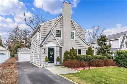 Photo of 26 Richelieu Road, Scarsdale, NY 10583 (MLS # H6090972)