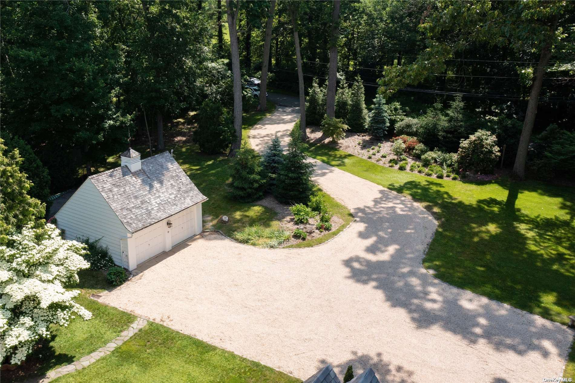 Photo of 80 Shutter Lane, Oyster Bay Cove, NY 11771 (MLS # 3298972)