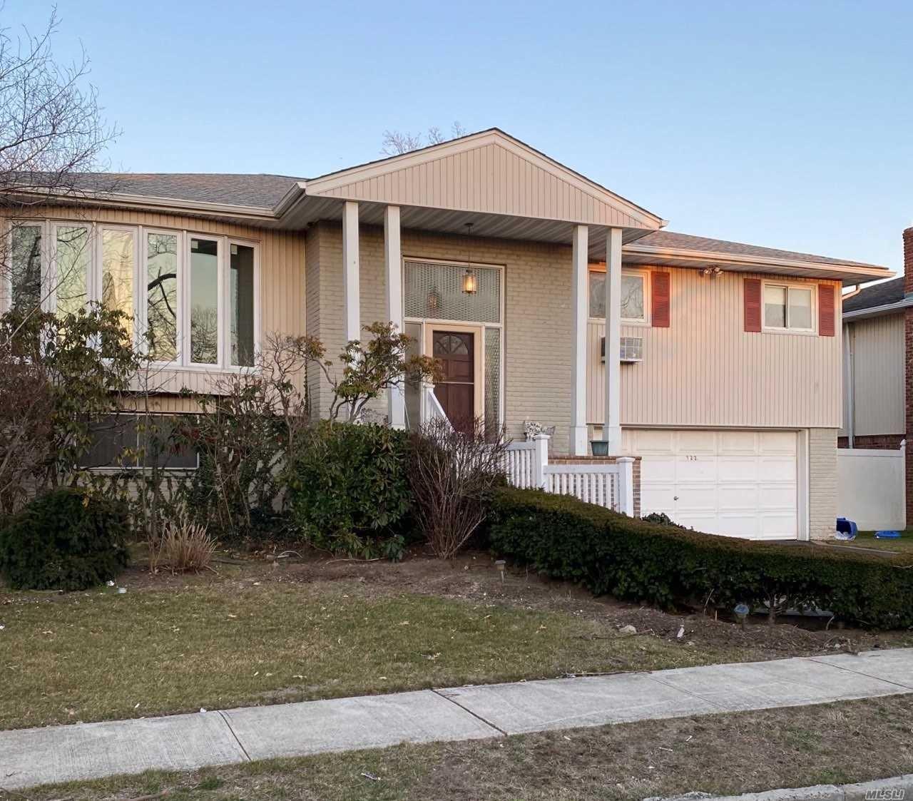 722 Turf Road, Hempstead, NY 11581 - MLS#: 3206974