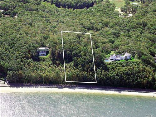 Photo of 47 Shore Road, Shelter Island, NY 11964 (MLS # 3278978)