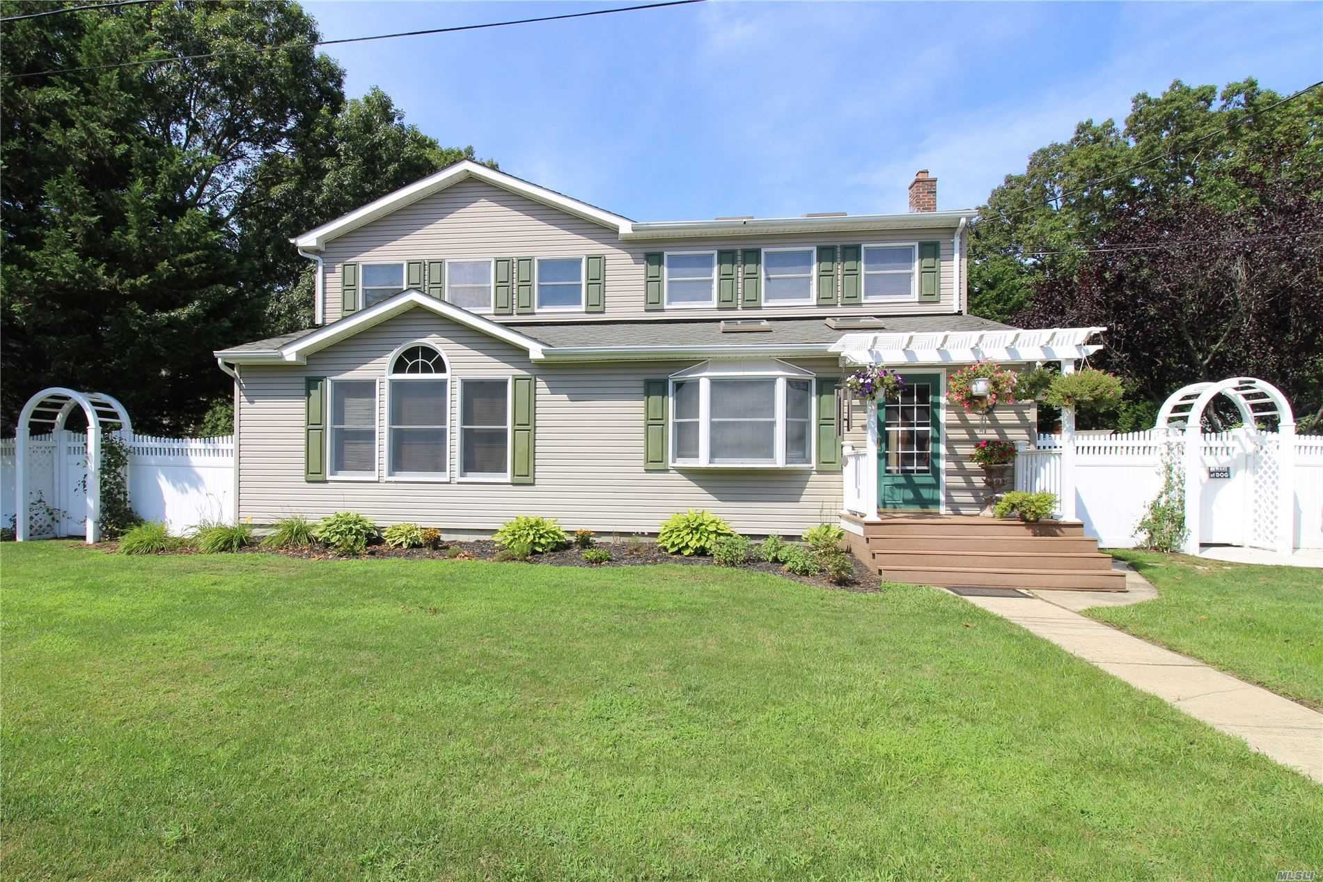 6 Reeves Place, Mastic, NY 11950 - MLS#: 3242978