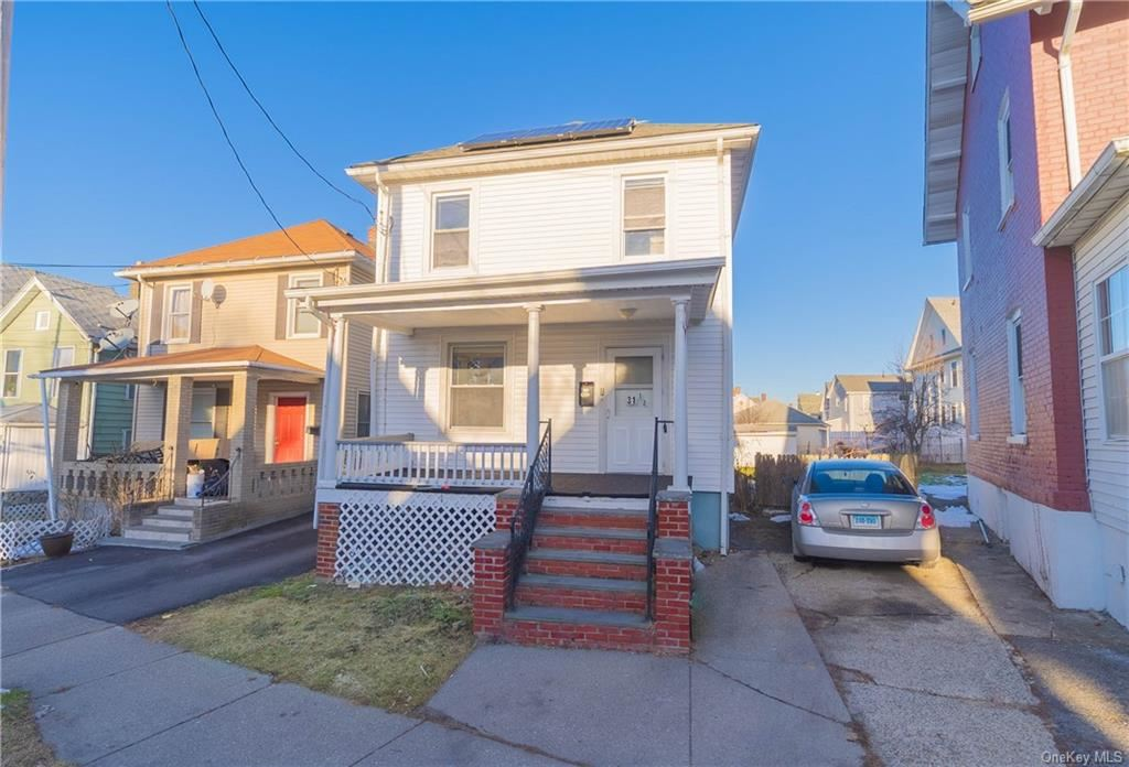 Photo of 31 1/2 Prince Street, Middletown, NY 10940 (MLS # H6089982)