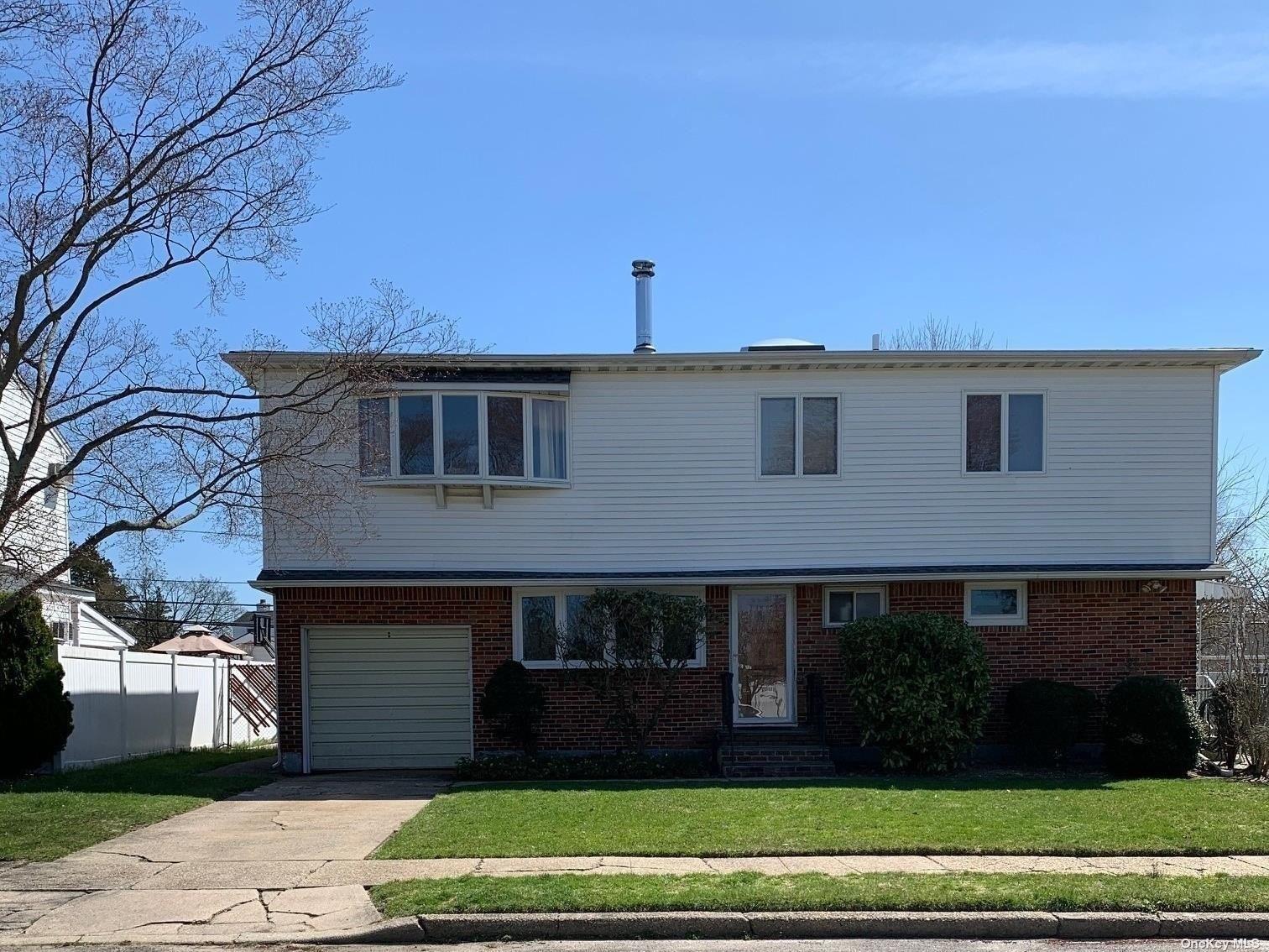 21 Eileen Avenue, Plainview, NY 11803 - MLS#: 3301983