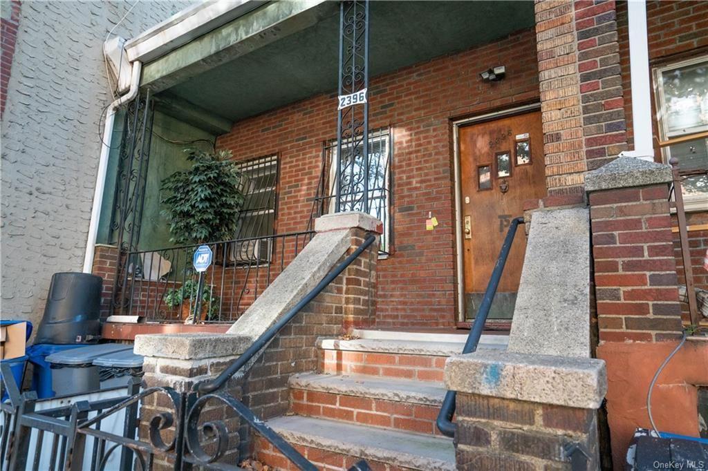 Photo of 2396 Lorillard Place, BRONX, NY 10458 (MLS # H6149983)