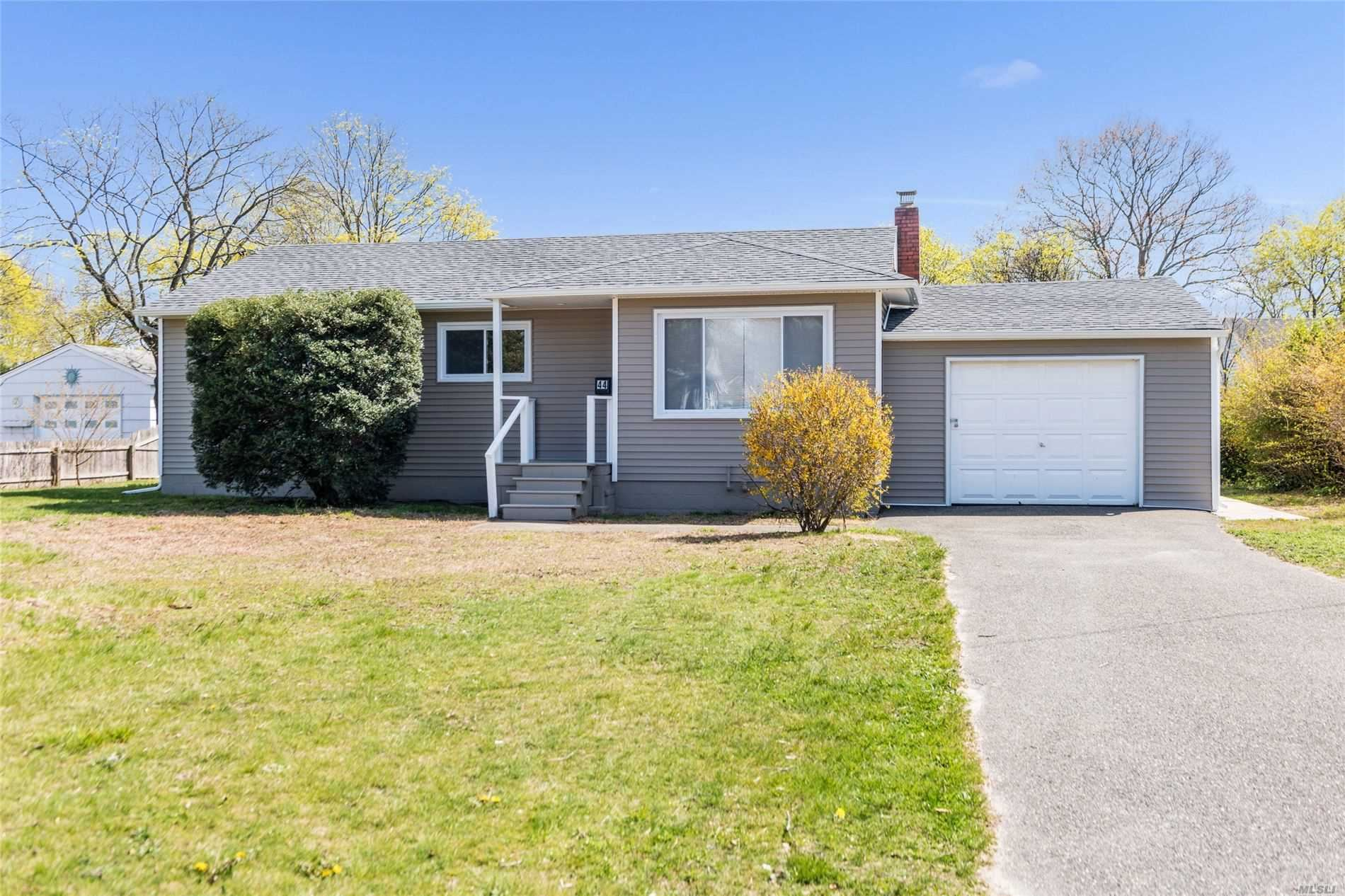 44 Sycamore St, Patchogue, NY 11772 - MLS#: 3212984