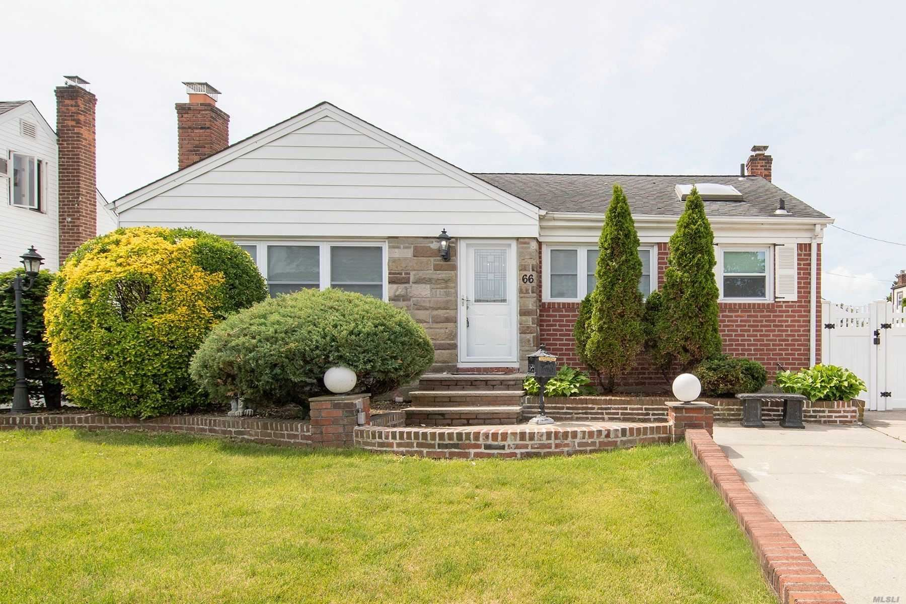 66 Lois Court, East Meadow, NY 11554 - MLS#: 3219988