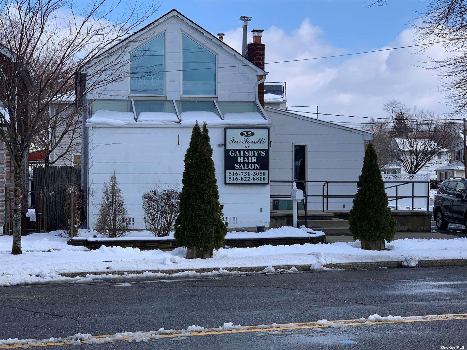Photo of 35 Bay Avenue, Hicksville, NY 11801 (MLS # 3302989)