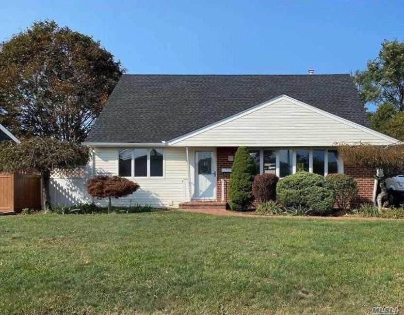 8 Normandy Drive, Bethpage, NY 11714 - MLS#: 3254995