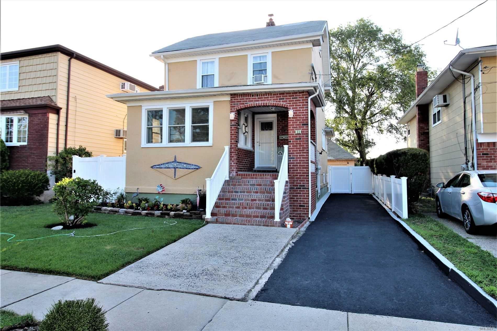 11 Lawson Avenue, East Rockaway, NY 11518 - MLS#: 3237997