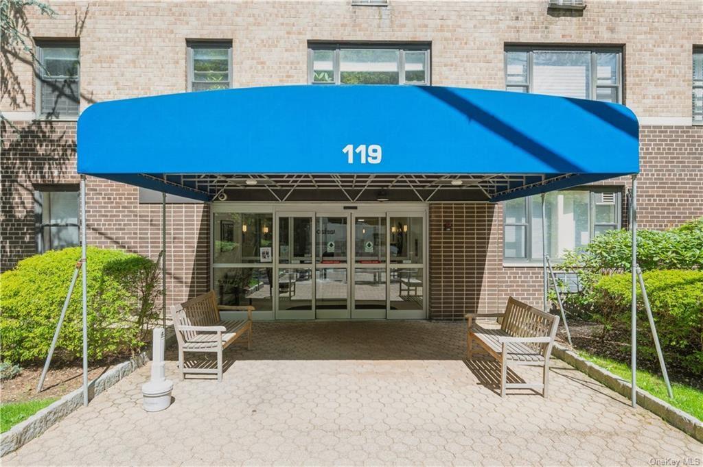 Photo of 119 Hartsdale #7F, Hartsdale, NY 10530 (MLS # H6098997)
