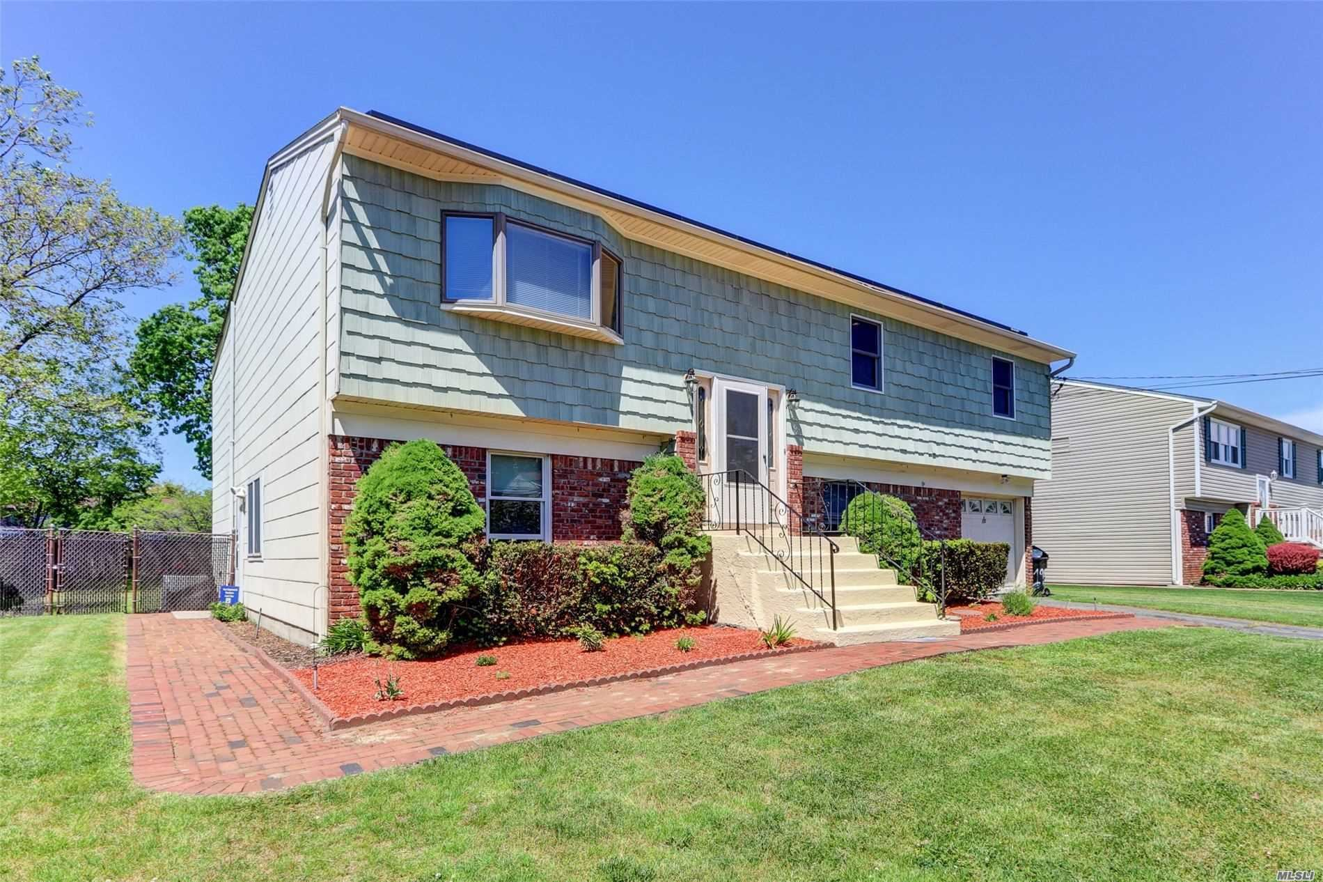 19 Westminster Lane, West Islip, NY 11795 - MLS#: 3216998