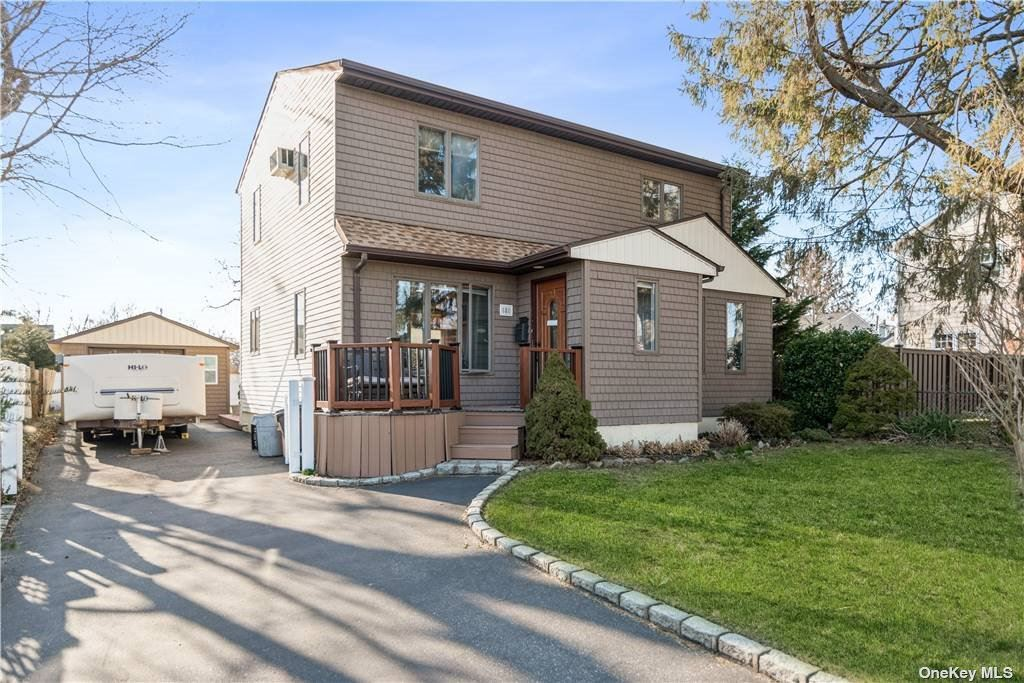 8 Taylor Avenue, East Islip, NY 11730 - MLS#: 3292998