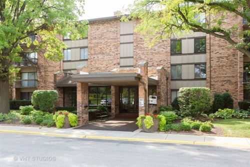 Photo of 301 Lake Hinsdale Drive #304, Willowbrook, IL 60527 (MLS # 10611001)