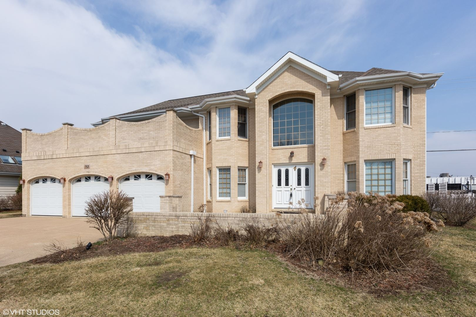 212 Rosewood Court, Westmont, IL 60559 - #: 10675004