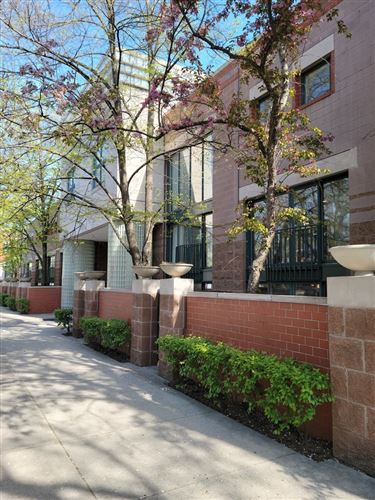 Photo of 641 W Willow Street #149, Chicago, IL 60614 (MLS # 11211005)