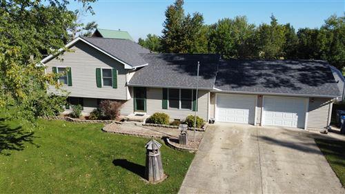 Photo of 3909 E 2599th Road, Sheridan, IL 60551 (MLS # 11229006)