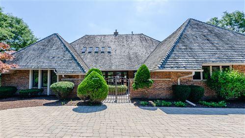 Photo of 12 Kingsbury Court, Oak Brook, IL 60523 (MLS # 11225007)