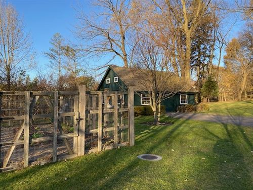 Tiny photo for 980 N Green Bay Road, Lake Forest, IL 60045 (MLS # 10931010)