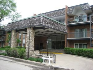 Photo of 4250 Saratoga Avenue #210, Downers Grove, IL 60515 (MLS # 10673012)