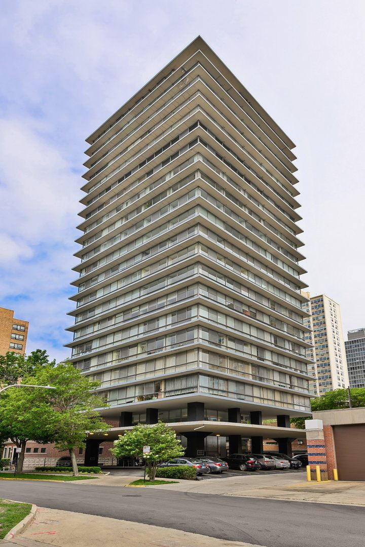 320 W Oakdale Avenue #802, Chicago, IL 60657 - #: 10755012