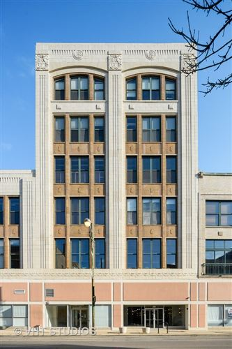 Photo of 3151 N Lincoln Avenue #203, Chicago, IL 60657 (MLS # 10943020)