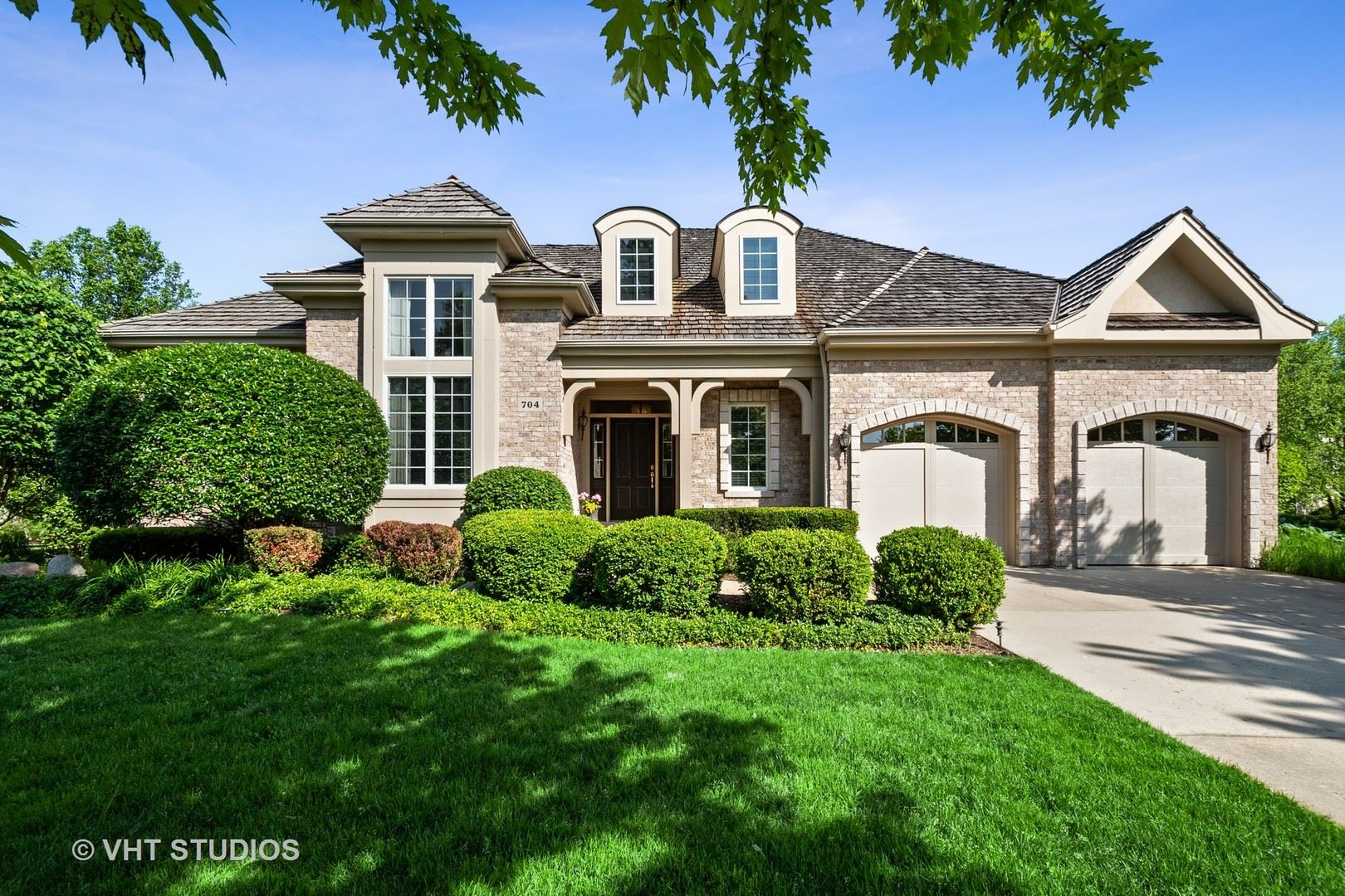 Photo for 704 Crofton Court, Inverness, IL 60010 (MLS # 10739020)