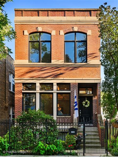 Photo of 1707 W Nelson Street, Chicago, IL 60657 (MLS # 10998026)
