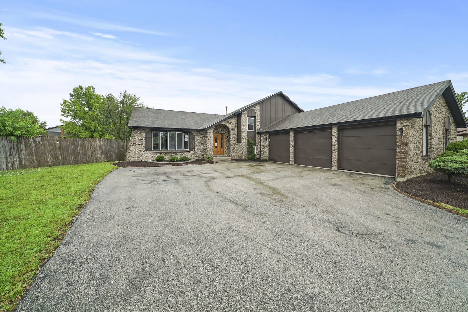 18621 Neal Circle, Country Club Hills, IL 60478 - #: 10803030