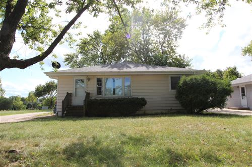 Photo of 443 S Old Rand Road, Lake Zurich, IL 60047 (MLS # 10827033)